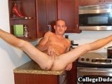 College Dudes – Kyle In The Kitchen
